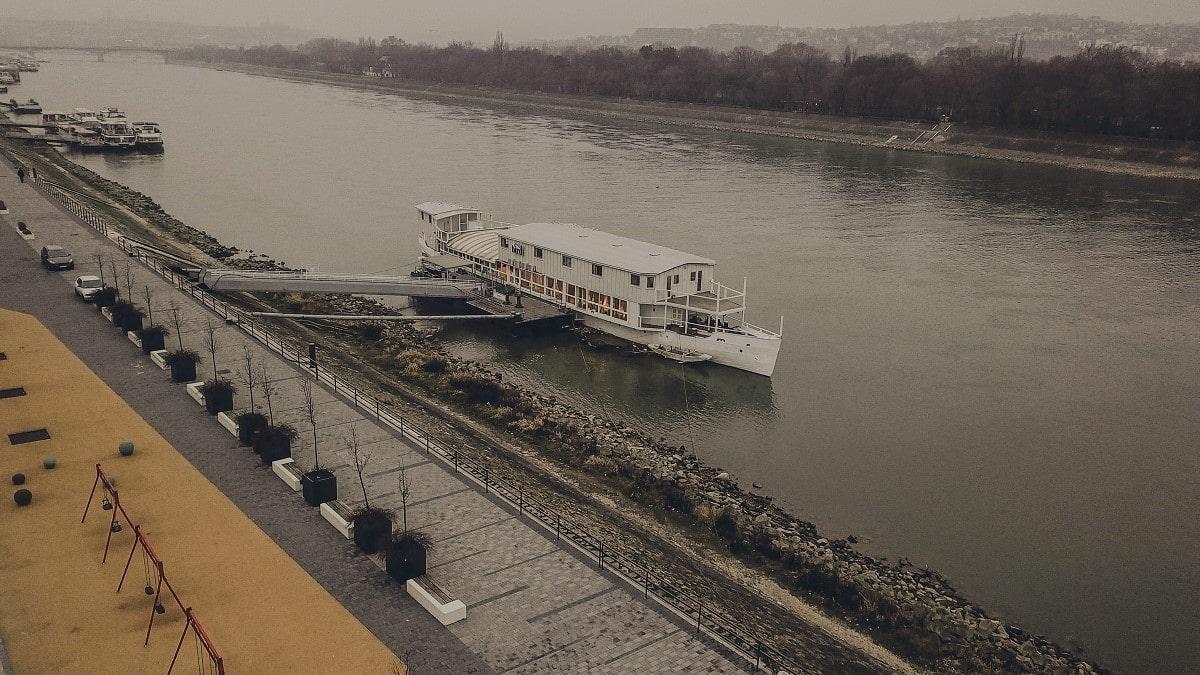 bird boat budapest hotel