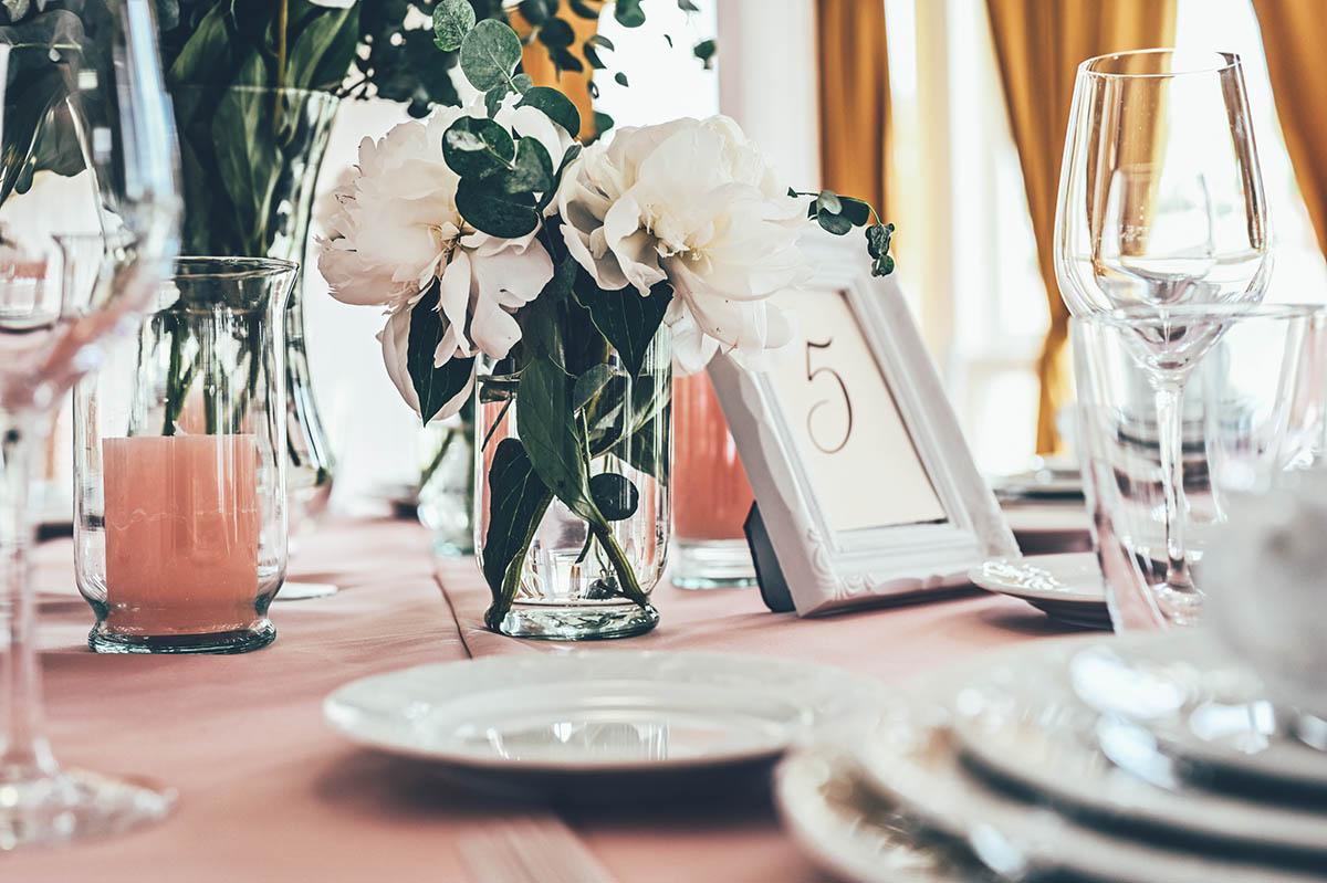 esküvői dekor és teríték