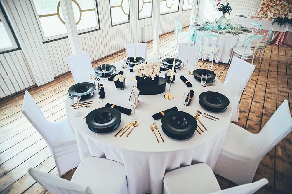 körasztalos ültetés esküvőre